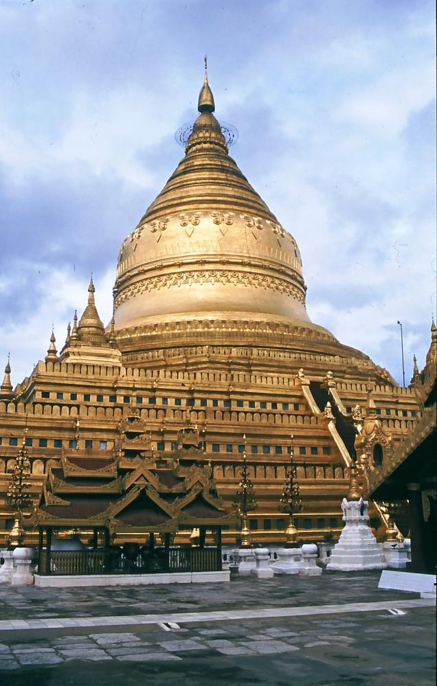2 cupola d'oro Yangon
