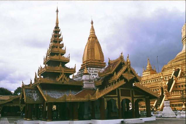 4 cupole shwedagon