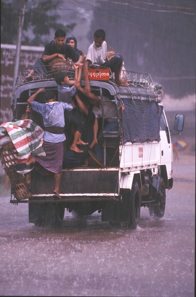 camion s acquazzone